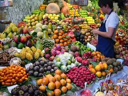 Russia announces ''full embargo'' on most food from U S , EU :: The