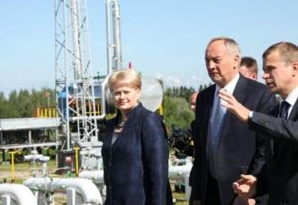 Dalia Grybauskaitė and Andris Berzins at the underground gas storage facility in Incukalns, 13.06.2012. Photo: president.lt