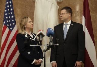 Hillary Clinton and Valdis Dombrovskis. Riga, 28.06.2012. Photo: flickr.com