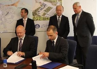 Cooperation agreement on LNG signed in Klaipeda. Photo: portofklaipeda.lt