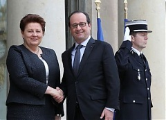 Latvian PM and the President of France agree: conditions of the Minsk ceasefire need to be fully implemented