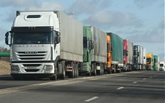 Latvia, Belarus exchange additional permits for truckers