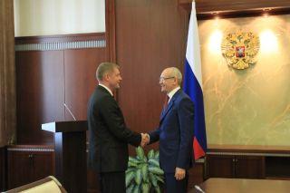 Посол Латвии в РФ Эдгарс Скуя и президент РБ Рустэм Хамитов.