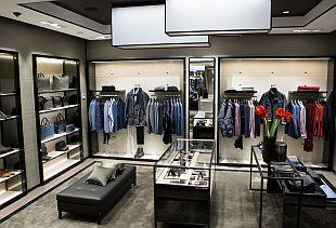 cb489be1c35 Apranga снова открывает магазин Hugo Boss в Риге